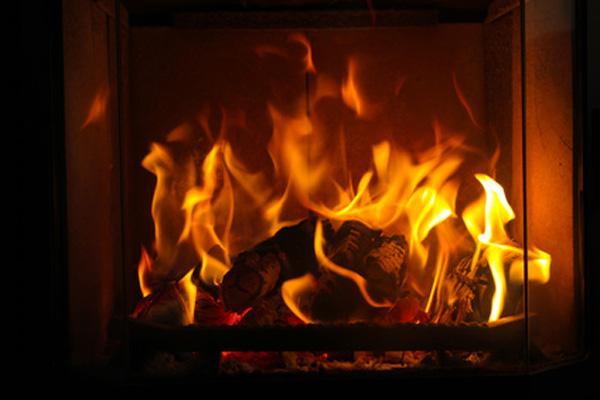 Как сделать имитация огня в камине своими руками