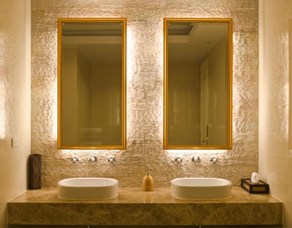 Зеркало для ванной с подсветкой фото купл.Fotolia